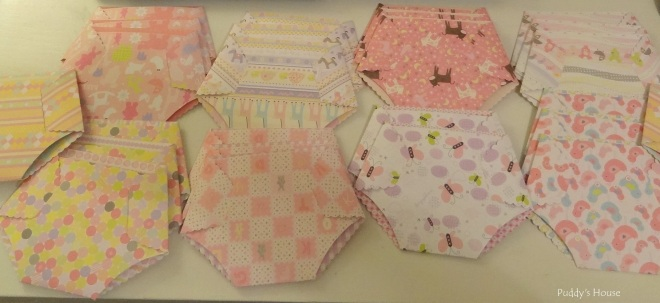 Baby Shower - DIY Diaper Invitations