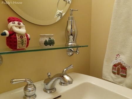 Christmas-Touches of Christmas in Powder Room