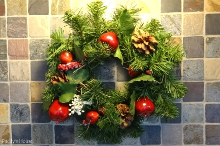 Christmas - Wreath on tiled backsplash