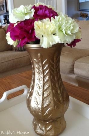 Living Room - Flowers in spraypainted vase