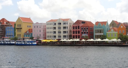 Curacao - Colorful homes in Willemstad
